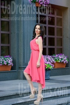 Alena from Dnipro 32 years - attentive lady. My small public photo.