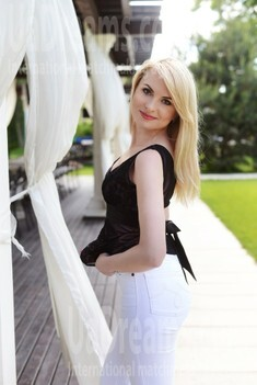 Inna from Kharkov 33 years - girl for marriage. My small public photo.