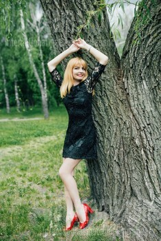 Irinka from Cherkasy 32 years - cool photo shooting. My small public photo.