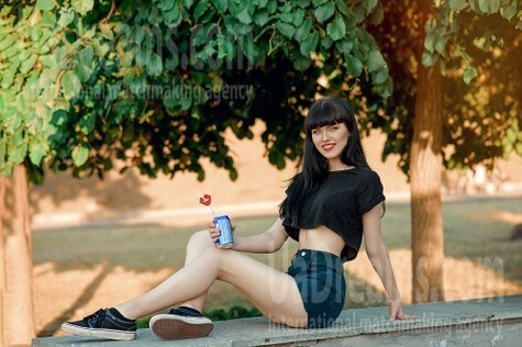 Lilya from Dnipro 18 years - nice fiancee. My small public photo.