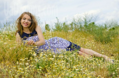 Marina from Cherkasy 27 years - independent woman. My small public photo.