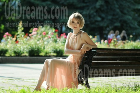 Oksana from Rovno 32 years - favorite dress. My small public photo.