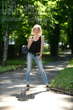Oksana 33 years - seeking man. My small public photo.