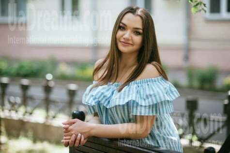 Natalia from Poltava 23 years - clever beauty. My small public photo.