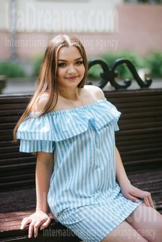 Natalia from Poltava 22 years - desirable woman. My small public photo.
