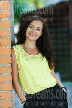 Irina from Kremenchug 28 years - wants to be loved. My small public photo.