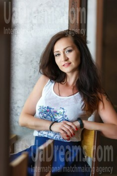 Irina from Kremenchug 28 years - waiting for you. My small public photo.