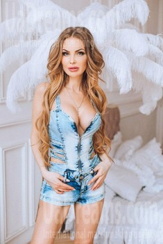Nataly from Poltava 34 years - charm and softness. My small public photo.