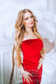 Nataly from Poltava 34 years - single russian woman. My small public photo.