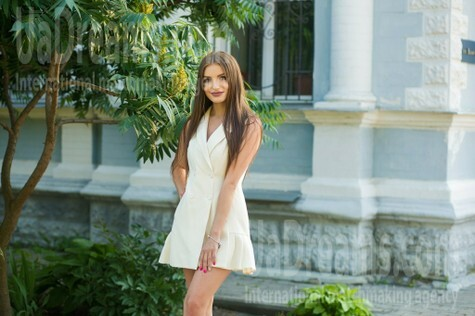 Lenochka from Sumy 25 years - attractive lady. My small public photo.