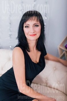 Alla from Cherkasy 44 years - carring woman. My small public photo.