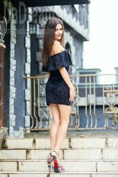 Oksana from Ivanofrankovsk 25 years - carring woman. My small public photo.