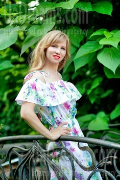 Tanya from Sumy 33 years - intelligent lady. My small public photo.