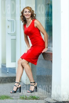 Elena from Kremenchug 35 years - looking for relationship. My small public photo.