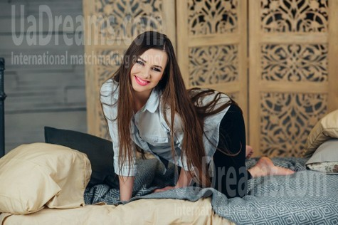 Lilia from Poltava 25 years - great weather. My small public photo.