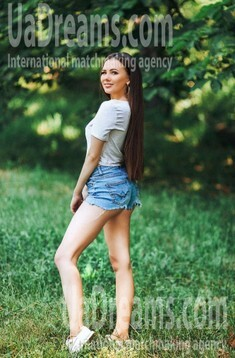 Lilia from Poltava 27 years - bright smile. My small public photo.