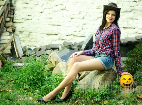 Ivanna from Lutsk 23 years - eyes with love. My small public photo.