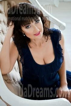 Svetlana 38 years - ukrainian girl. My small public photo.