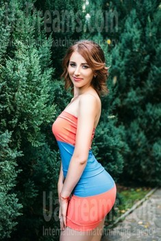 Tanechka from Sumy 26 years - hot lady. My small public photo.