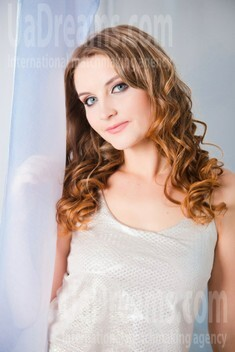 Vickie from Sumy 24 years - ukrainian woman. My small public photo.