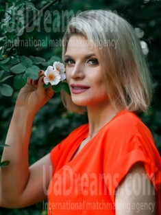 Olya from Sumy 36 years - creative image. My small public photo.