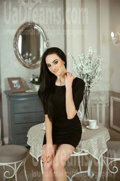 Olena from Kiev 25 years - sunny day. My small public photo.