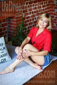 Tanya from Zaporozhye 36 years - Kind-hearted woman. My small public photo.