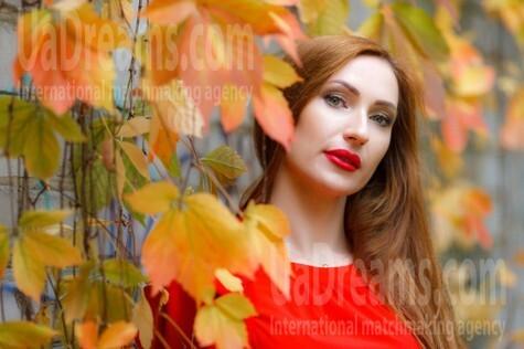 Olya from Kremenchug 33 years - beautiful woman. My small public photo.