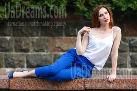 Olya from Kremenchug 34 years - seeking soulmate. My small public photo.