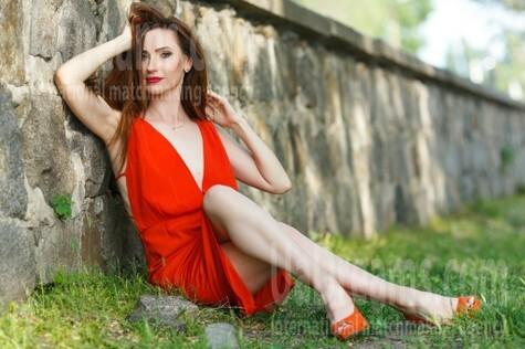 Olya from Kremenchug 34 years - amazing appearance. My small public photo.