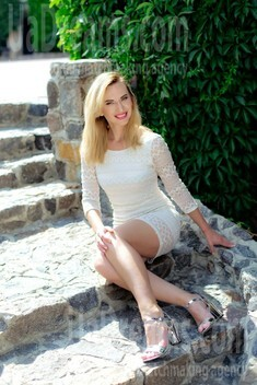 Svetlana from Sumy 34 years - waiting for husband. My small public photo.
