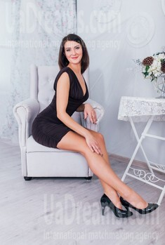 Anna from Cherkasy 32 years - smiling for you. My small public photo.