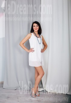 Anna from Cherkasy 32 years - single russian woman. My small public photo.