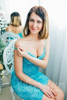 Anna from Cherkasy 32 years - want to be loved. My small public photo.