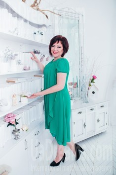 Oksana from Cherkasy 46 years - single russian woman. My small public photo.