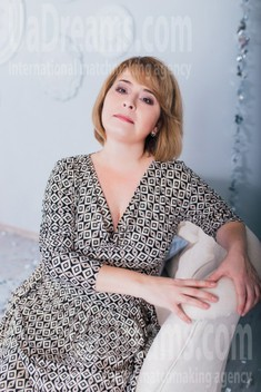Snezhana from Cherkasy 45 years - desirable woman. My small public photo.