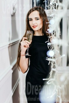 Svitlana from Lutsk 21 years - photo gallery. My small public photo.