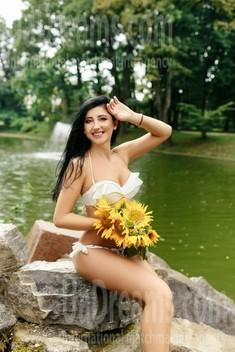 Tania from Ivanofrankovsk 35 years - single russian woman. My small public photo.