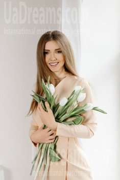 Tanya from Ivano-Frankovsk 22 years - looking for relationship. My small public photo.