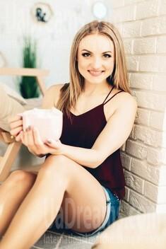 Yana from Poltava 29 years - nice fiancee. My small public photo.