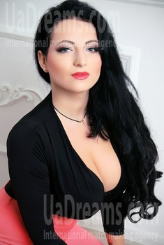 Lilly from Zaporozhye 26 years - carring woman. My small public photo.