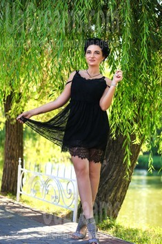 Lilly from Zaporozhye 27 years - bright smile. My small public photo.
