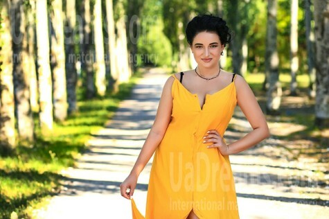 Lilly from Zaporozhye 27 years - ukrainian woman. My small public photo.