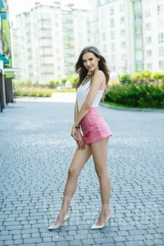 Adelina from Ivano-Frankovsk 24 years - searching life partner. My small public photo.