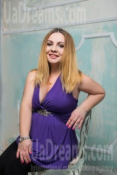 Alla from Sumy 36 years - wants to be loved. My small public photo.