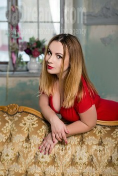 Alla from Sumy 36 years - nice fiancee. My small public photo.
