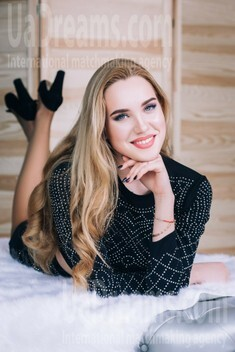 Kate from Lutsk 18 years - soft light. My small public photo.