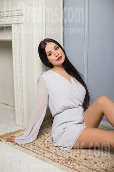 Alisa from Sumy 31 years - want to be loved. My small public photo.