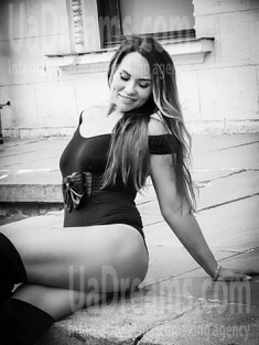 Helen from Zaporozhye 35 years - natural beauty. My small public photo.