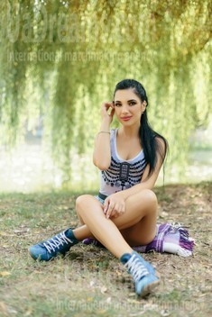 Olia from Ivanofrankovsk 24 years - Warm-hearted girl. My small public photo.